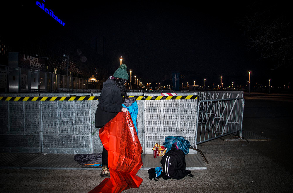 Green Day fans camping out in -5°C in Turin, Italy