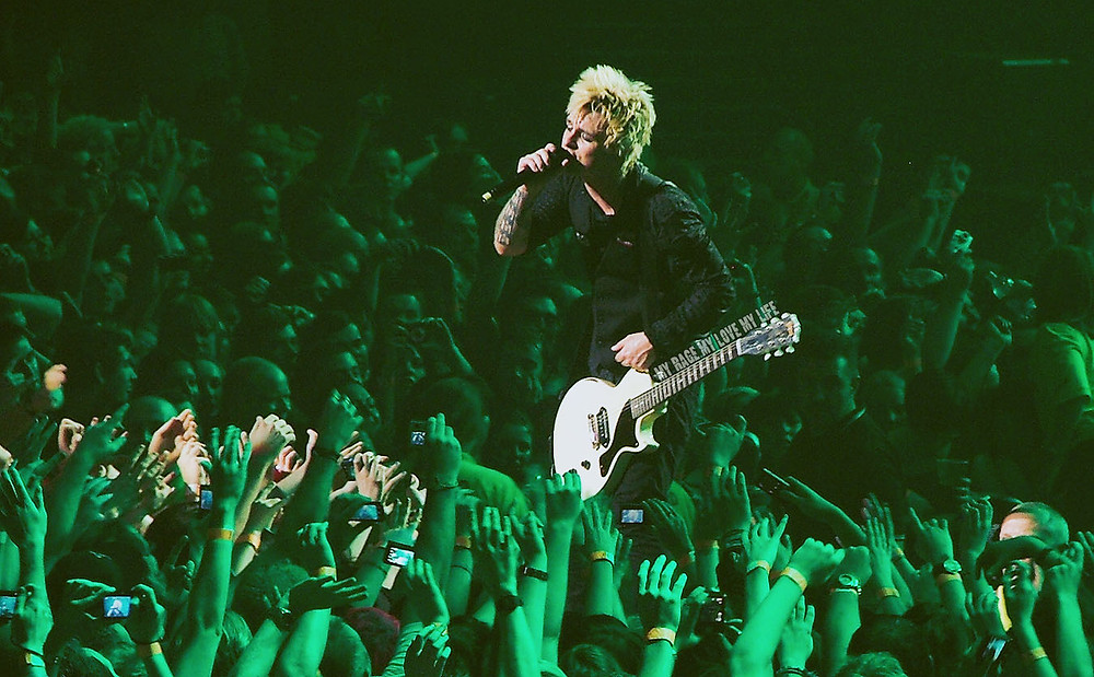 Green Day playing Boulevard of Broken Dreams live in Manchester, 2009