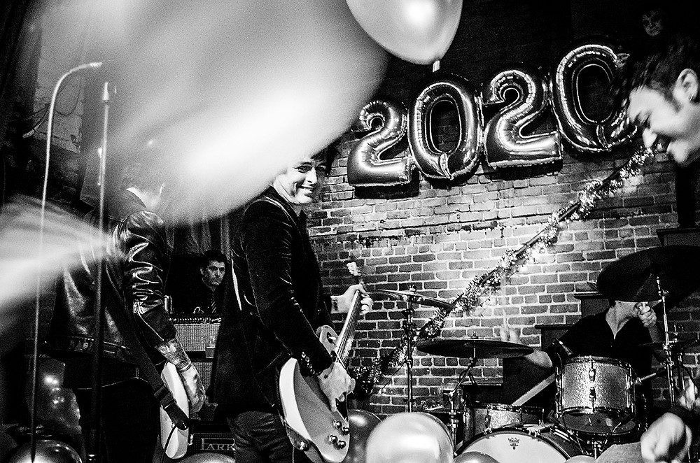 The Longshot live at the Golden Bull, New Year's Eve