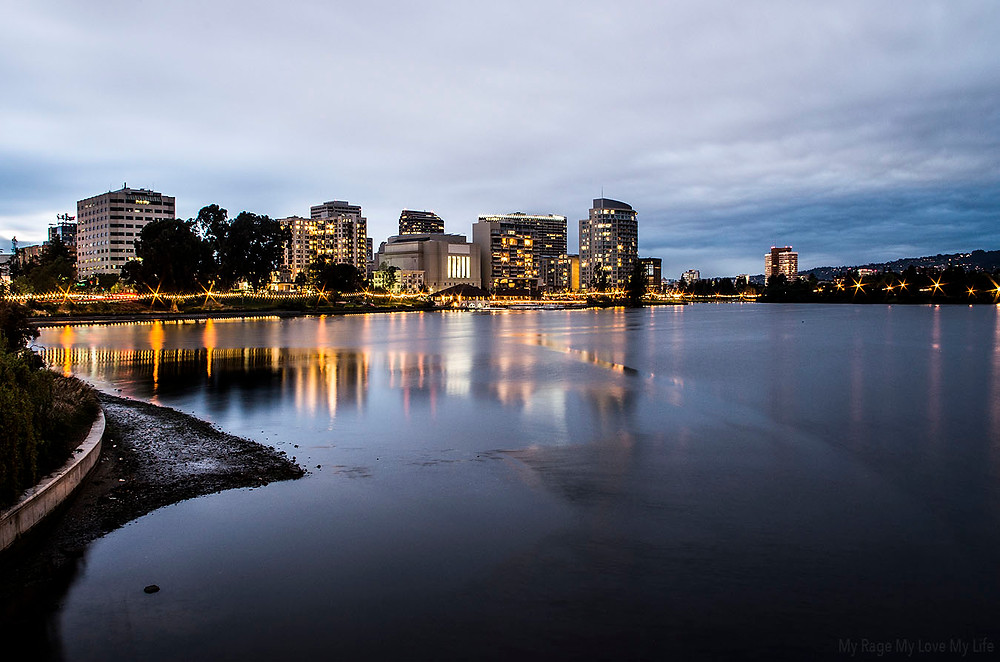 Lake Merritt Oakland CA skyline at night