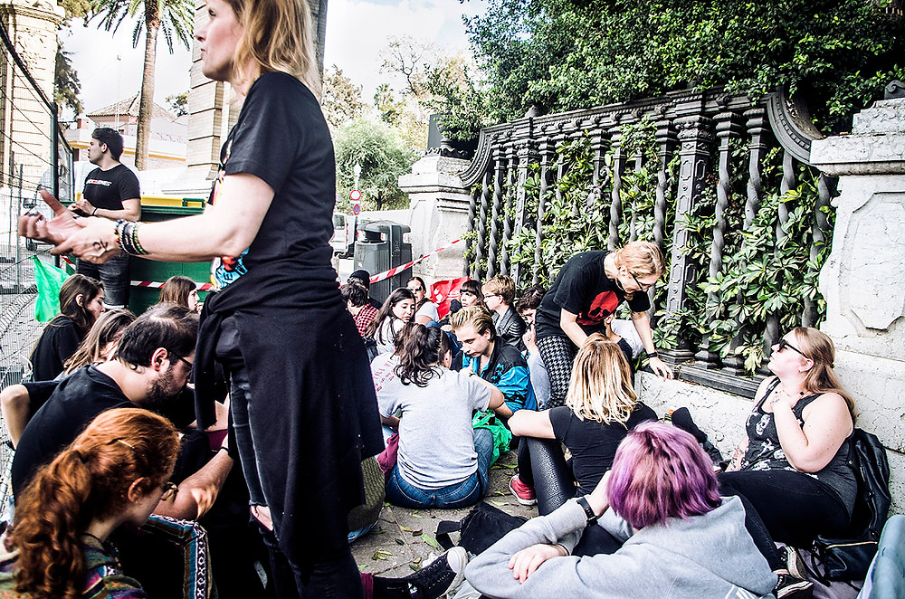 Green Day fans lining up for MTV World Stage in Sevilla