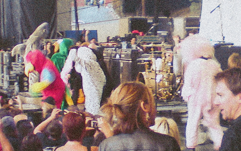 Green Day pranking AFI in animal costumes at the Shoreline Amphitheatre