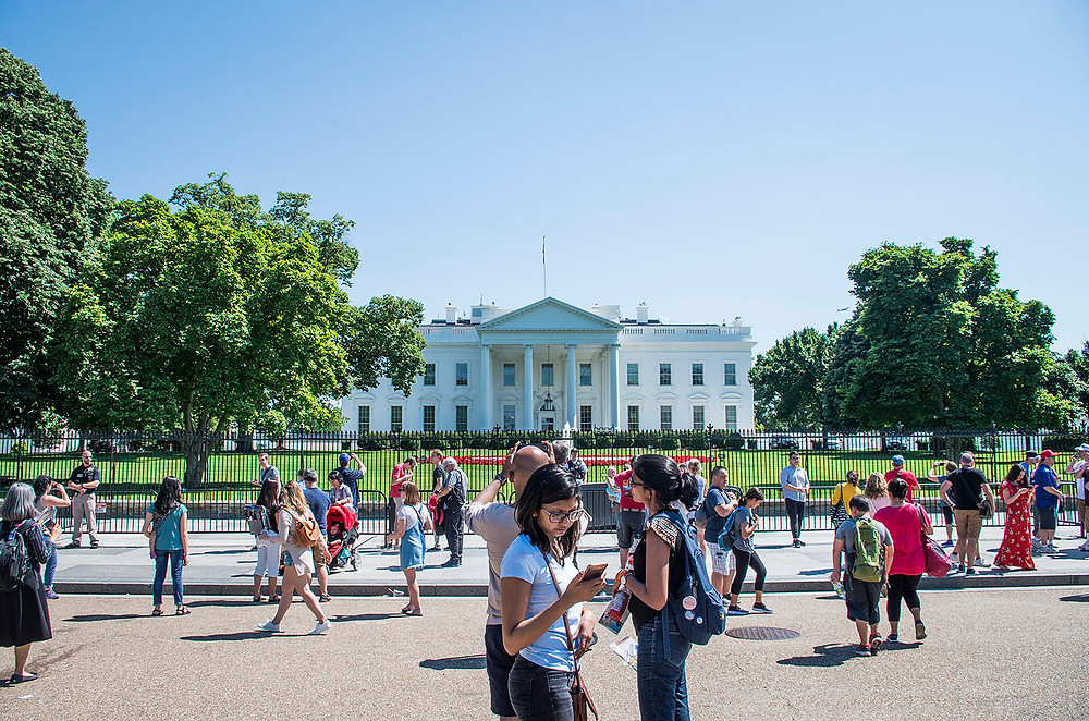 Tourists outside the White House, Washington DC
