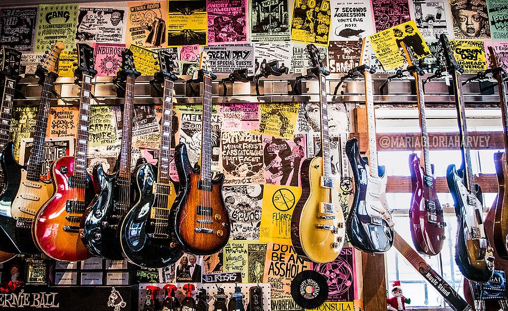 Broken Guitars, Oakland