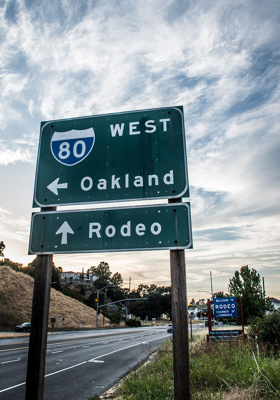 Rodeo Oakland 80 sign