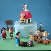Peanuts Character Cake