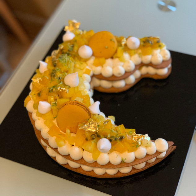 Number cake cheval aux fruits exotiques