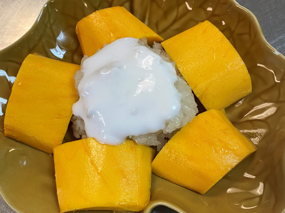 Sticky Rice with Fresh Mango