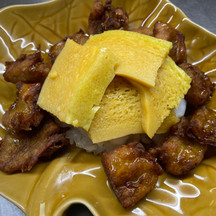 3 Combination: Fried Banana, Thai Custard, & Sticky Rice