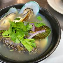Green Mussels in Herbal Broth