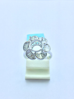 Flower Shape 18 K Gold Diamond Rings