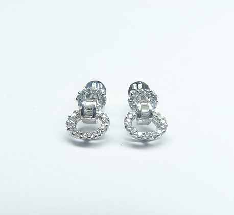 18 K 750 Diamond Ear Rings