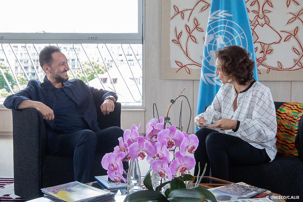 الأمين العام لليونسكو أودري أوزلاي والموسيقار نصير شمّه في اجتماع لمناقشة خطة العمل- ١٦/٠٦/٢٠١٩