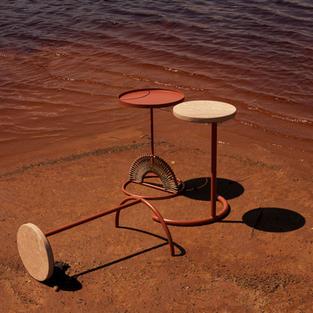 Muk'eti nesting tables