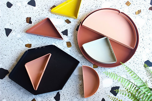 Accessories: Trays