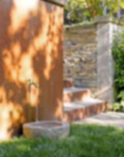 dog fountain.jpg