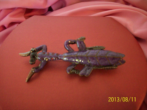 Praying mantis Purple pin