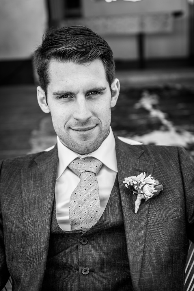 Don't you just love a man in suit?