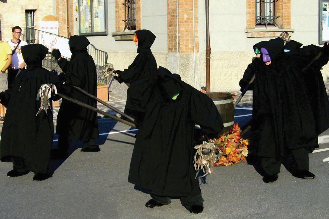 MALAPARATA (Street Parade)
