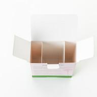 Carton build-in slot structure