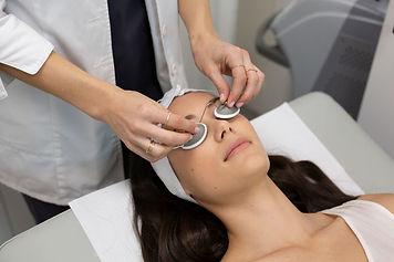 laser-facial-1030x687.jpg