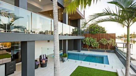 Bal Harbour, Gold Coast.