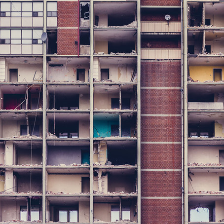 La réhabilitation d'une construction régulièrement édifiée mais abandonnée implique-t-elle nécessair