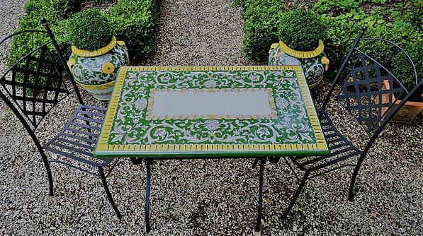 tavolo giardino in ceramica