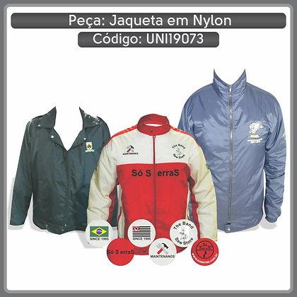 Jaqueta em Nylon