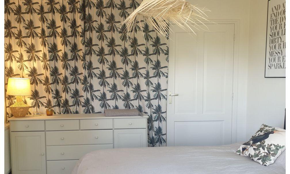 slaapkamer gordijn palmen.jpeg