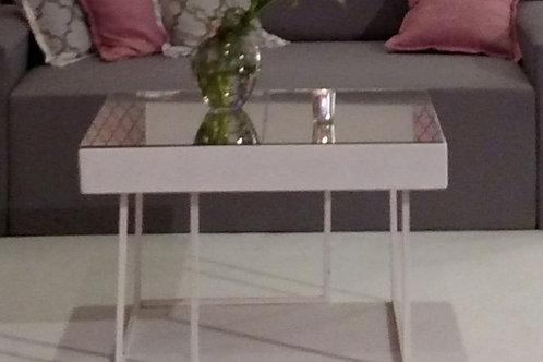 Mesa de centro quadrada com tampo espelhado
