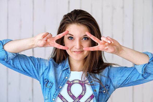 girl_blue_tshirt.jpg