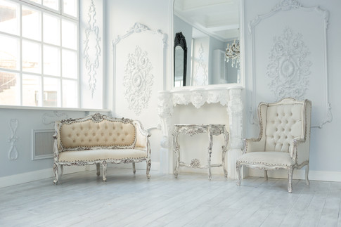 High-end Georgianesque sitting room