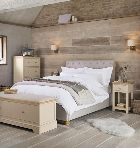 Cosy, rustic bedroom