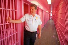 'Drunk Tank Pink' prison cells