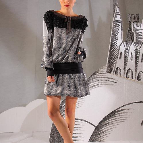 Платье атласное мини пепельно-серое с черной отделкой