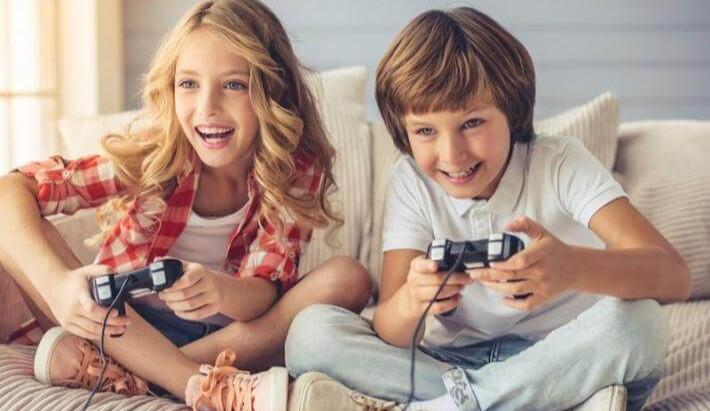 Perchè mio figlio non riesce a stare attento mentre studia ma riesce a stare ore sui videogiochi?