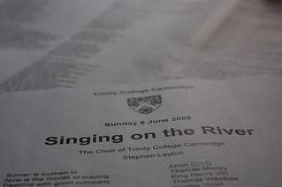 劍橋大學 傳統活動 - Singing on the river