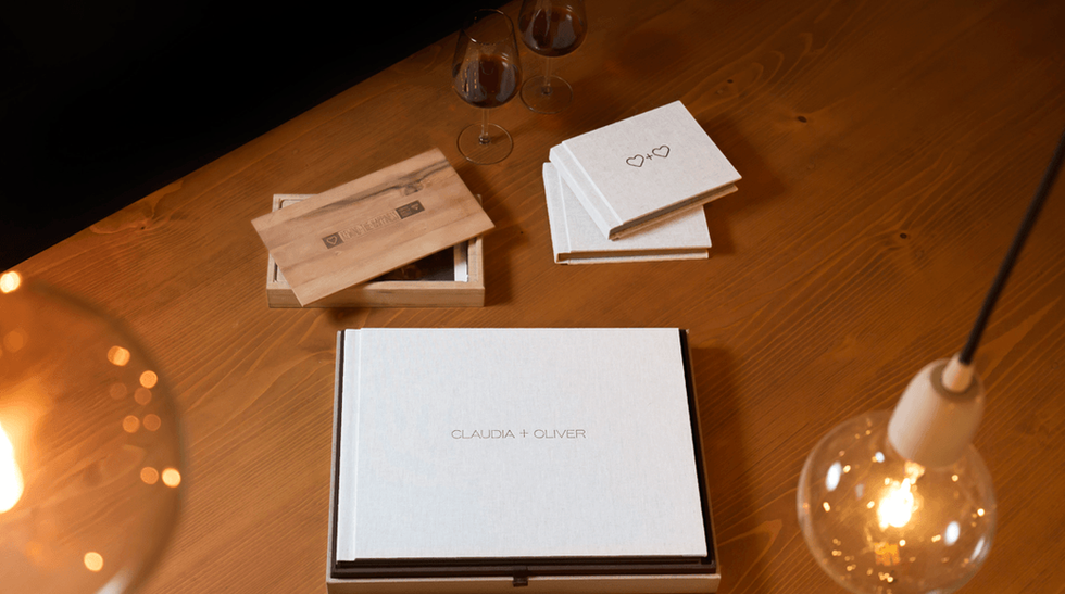 professional-wedding-albums-with-parents