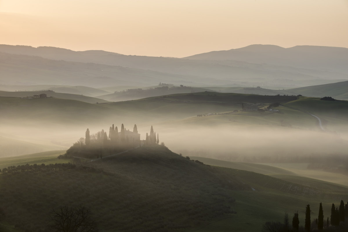 Alba in Val d'Orcia, Toscana