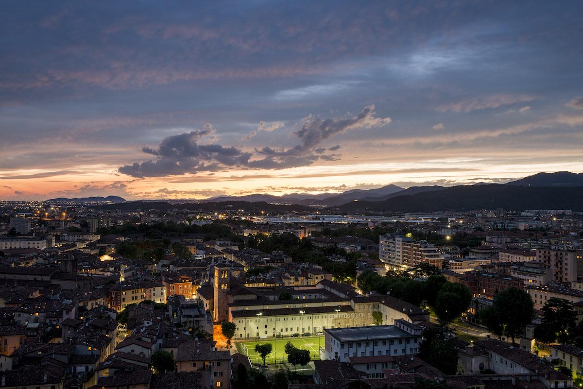 Brescia all'imbrunire