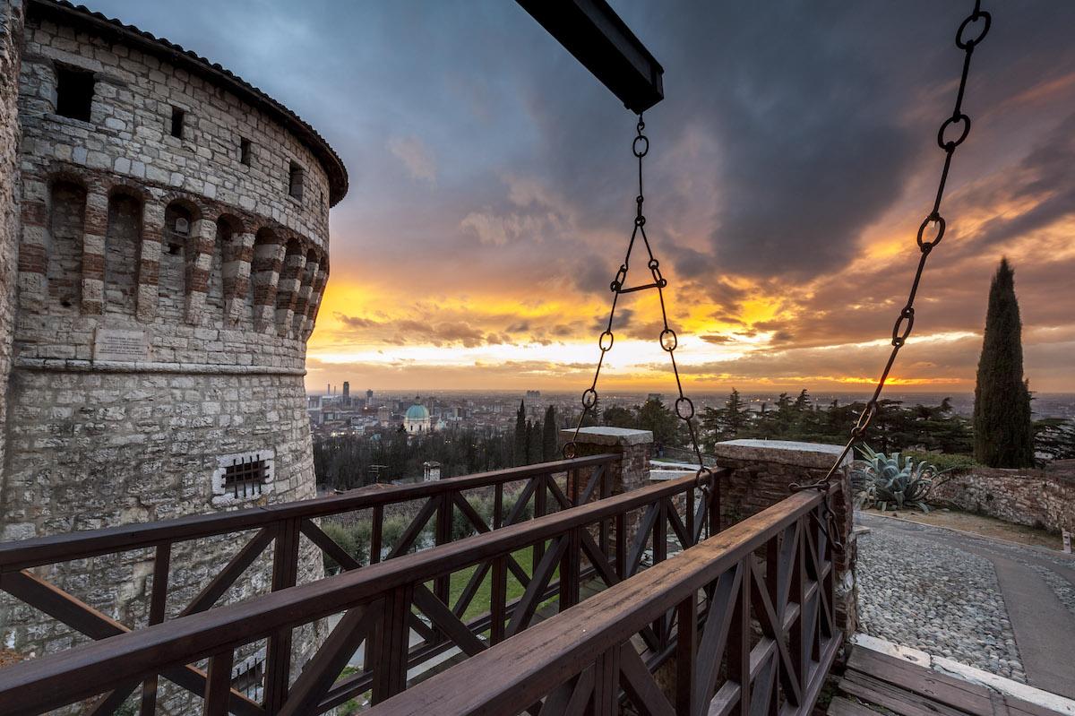 Fuoco sul Castello di Brescia