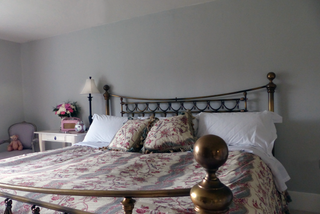 gray-bedroom-frontview.png