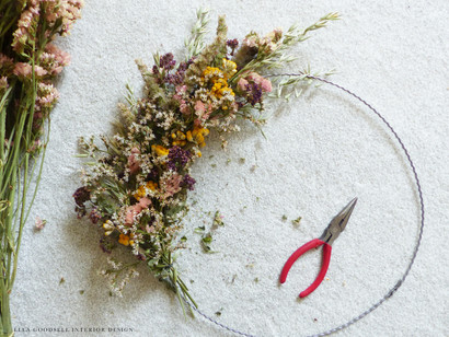 Interior Design Home DIY: Creating a Dried Flower Wreath for Autumn