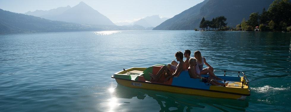 tretboot pedalo fahren interlaken