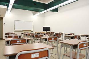 schoolroom_02.jpg
