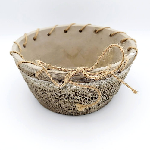 Round Planter with Ribbon