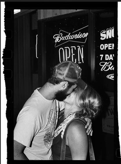 snowzees kiss.png