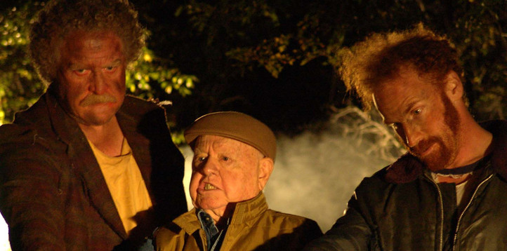 Mickey Rrooney in Thirsting with two angels