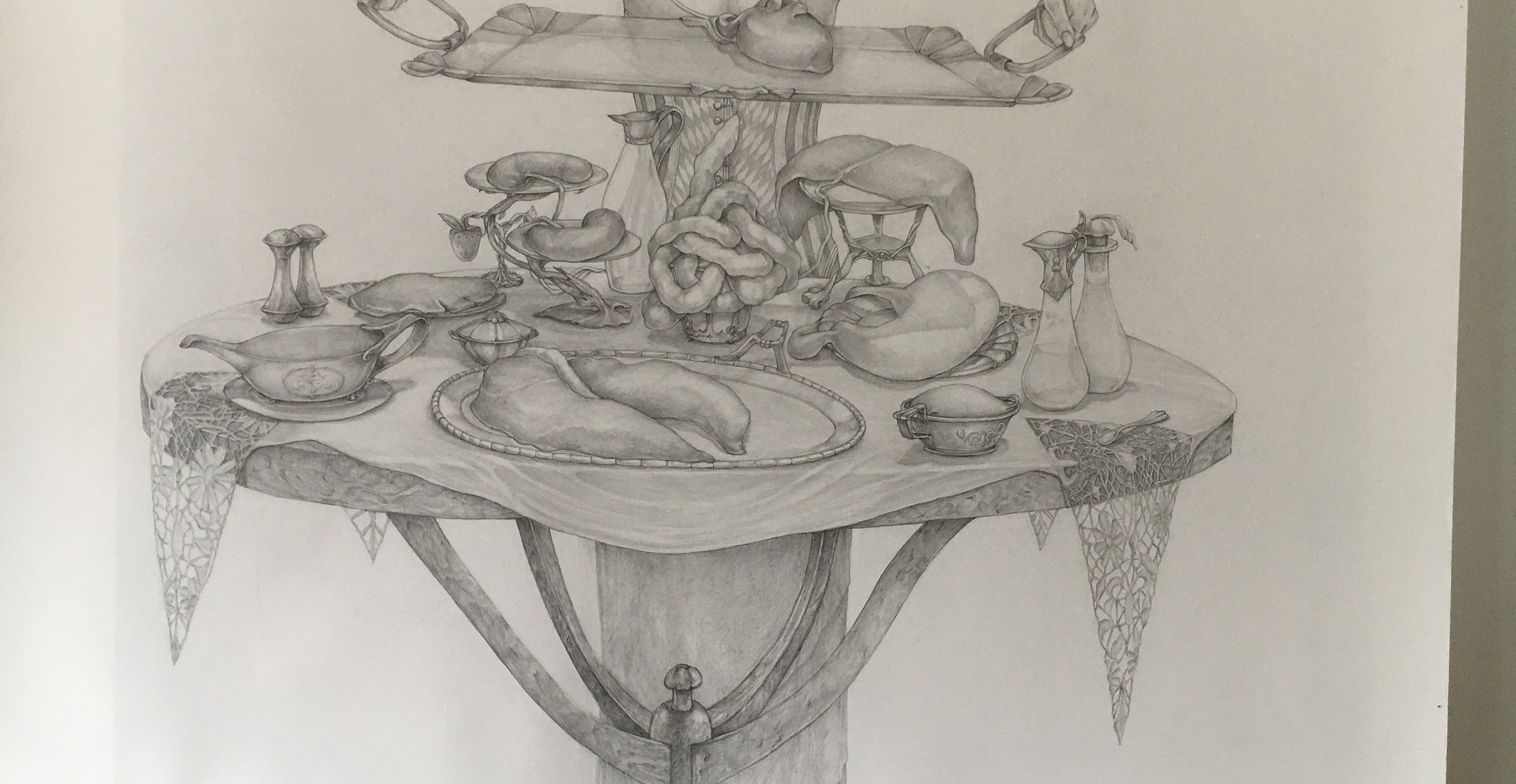 On a silver platter/detail